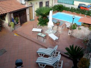 1 bedroom House with Internet Access in Pompeii - Pompeii vacation rentals