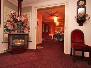 Ballarat Serenity Luxury Cottage - Ballarat vacation rentals