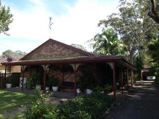 17 Kurrawong Avenue, HAWKS NEST - Hawks Nest vacation rentals
