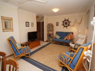 Bright 3 bedroom House in Hawks Nest - Hawks Nest vacation rentals