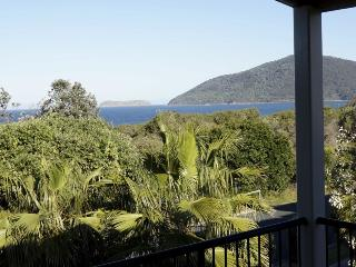 Lovely House with Washing Machine and Shared Outdoor Pool - Hawks Nest vacation rentals