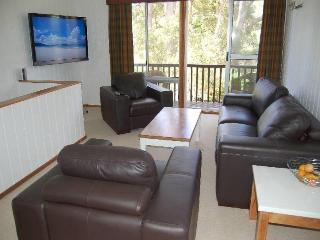 7 Kikarra Crescent, HAWKS NEST - Hawks Nest vacation rentals