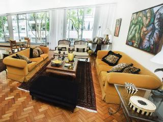 STUNNING 5Bdr APARTMENT COPACABANA V049 - Rio de Janeiro vacation rentals