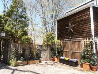 Charming Guest House - East Hampton vacation rentals