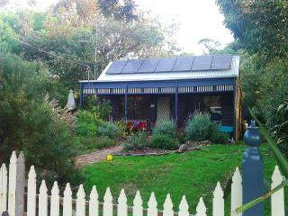 Cosy Lavender Cottage in Venus Bay close to beach - Venus Bay vacation rentals