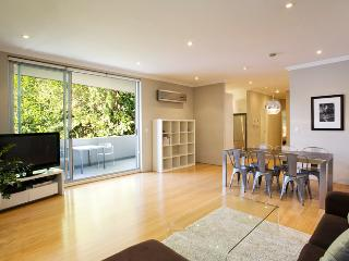 GLE20 - Modern and Stylish Executive Apartment - Sydney vacation rentals