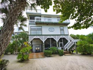 Lovely 3 bedroom North Captiva Island House with Deck - North Captiva Island vacation rentals