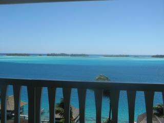 Gorgeous 2 bedroom Bora Bora Villa with Internet Access - Bora Bora vacation rentals