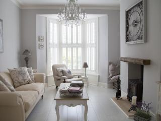 Cozy Harrogate Townhouse rental with Central Heating - Harrogate vacation rentals