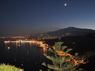 casa vacanza open year - Giardini Naxos vacation rentals