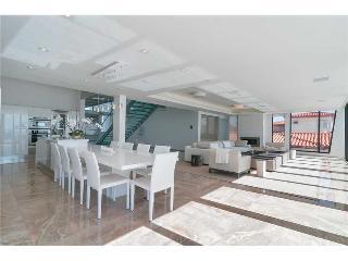 Villa Cristiano - 2020 Waterfront Villa for the Future - North Bay Village vacation rentals