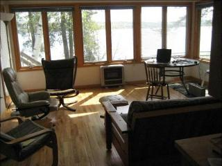 Skaneateles Lakefront 4 Bedroom Cottage - Finger Lakes vacation rentals