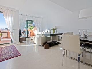 Nice apartment near Golf & Beach - Elviria vacation rentals