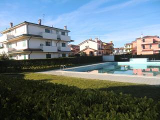 Appartamento per 5 persone con  piscina - Caorle vacation rentals