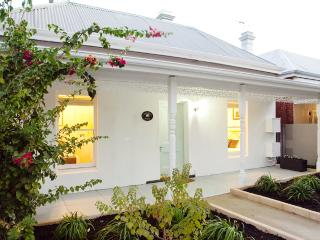 KOOKABURRA COTTAGE - Beaconsfield vacation rentals