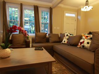 5Br DC's Ultimate Location, Near Metro, Zoo - District of Columbia vacation rentals