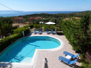 Beautiful Villa in Trapezaki with A/C, sleeps 6 - Trapezaki vacation rentals