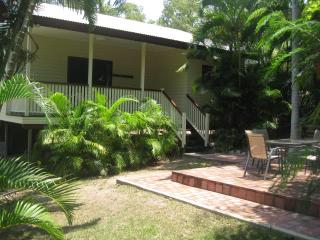 Seawitch, 46 Hayles Ave, Arcadia - Magnetic Island vacation rentals