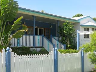 Picnic Cottage, 19 Birt Street, Picnic Bay - Arcadia vacation rentals