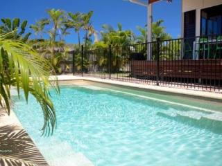 Barefoot Beach House, 5 Sandals Blv, Horseshoe Bay - Horseshoe Bay vacation rentals