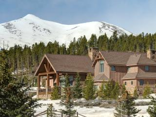 Highlands Retreat - Luxury Golf Course Home - Silverthorne vacation rentals