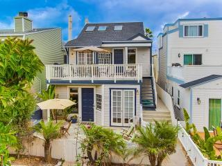 MISSION BEACH - 4 BEDROOM - SLEEPS 12 - Mission Beach vacation rentals