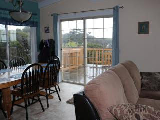OurSandDollar: ocean view and easy beach access:  June specials:  see rates - Yachats vacation rentals