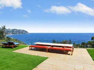Hillside Villa Serenita Due with Multiple Terraces, Pool, Spa & Fantastic Views - Bordighera vacation rentals
