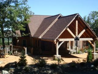 Renaissance Lodge Location: Between Boone & Blowing Rock - World vacation rentals