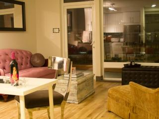 Posh Urban Getaway Steps 2 Waterfront & Pike Place - Seattle vacation rentals