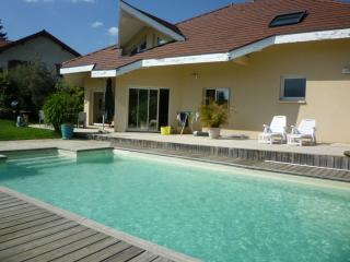 B&B, Chez Brigitte et Sylvain - Seynod vacation rentals