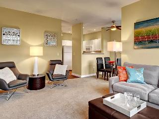 Enjoy Peace & Quiet in the Heart of the City. The Urban Retreat Awaits You! - Seattle vacation rentals