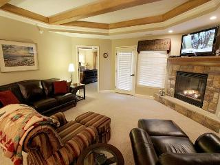 Posh Palace-3 bedroom, 2 bathroom condo located at Paradise Pointe - Table Rock Lake vacation rentals