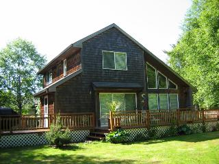 A true red, white, and blue beach getaway! - Neskowin vacation rentals