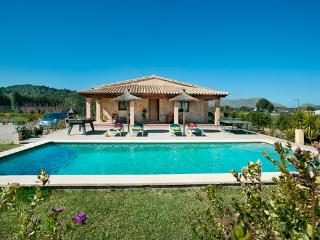Villa with private pool and jacuzzi. - Pollenca vacation rentals