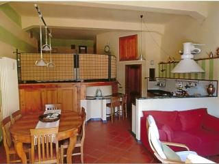Bright 1 bedroom Vacation Rental in Sarzana - Sarzana vacation rentals