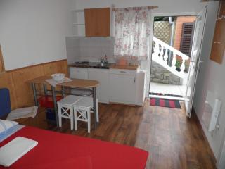 Peaceful Sunny Studio Apartment - Piran vacation rentals