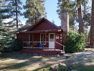 Cozy 2 bedroom Big Bear City House with Deck - Big Bear City vacation rentals