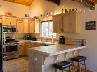 Treetop Retreat - Apple Valley vacation rentals