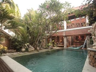 Villa Oberoi - Tropical Living - Seminyak Beach - Bali vacation rentals
