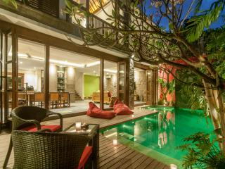 VillaM2Bali (B) Modern Baliness Luxury villa walking distance to Seminyak Beach - Seminyak vacation rentals