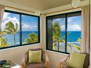 Sealodge G8: Oceanfront views, top floor. - Princeville vacation rentals