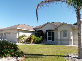 A Golfer's Dream, three bedroom, two bathroom, optional electrically heated pool - Rotonda West vacation rentals