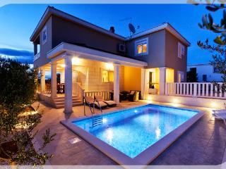 Comfortable Villa with Deck and Internet Access - Necujam vacation rentals