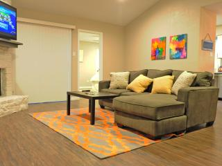 ===South Lamar Hideaway - Walk to Everything!!=== - Austin vacation rentals