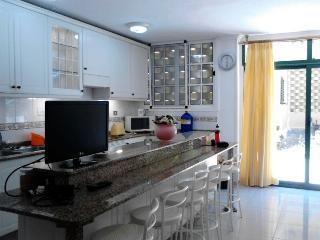 Great Apartament in Playa del Ingles max 8 persons - Playa del Ingles vacation rentals
