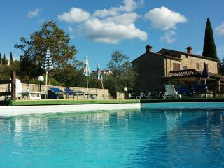 17th century farmhouse with pool, A/C and Wi-Fi - Arezzo vacation rentals