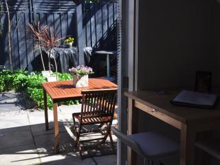Nice Studio with Internet Access and Dishwasher - St Kilda vacation rentals