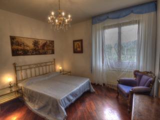 Bedroom Giulia in Tuscany Villa Bagnoro - Arezzo vacation rentals