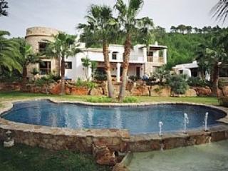 Hermosa villa con piscina privada 7 - Es Codolar vacation rentals